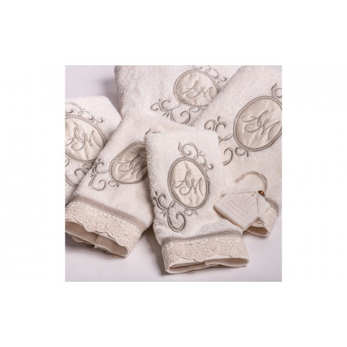 Set of Towels with Embroidered monograms T.105.0305a/0306a